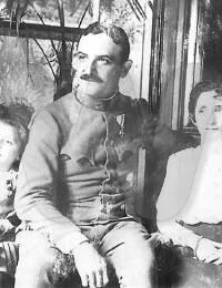 Lici mit Eltern in Belgrad, 1915